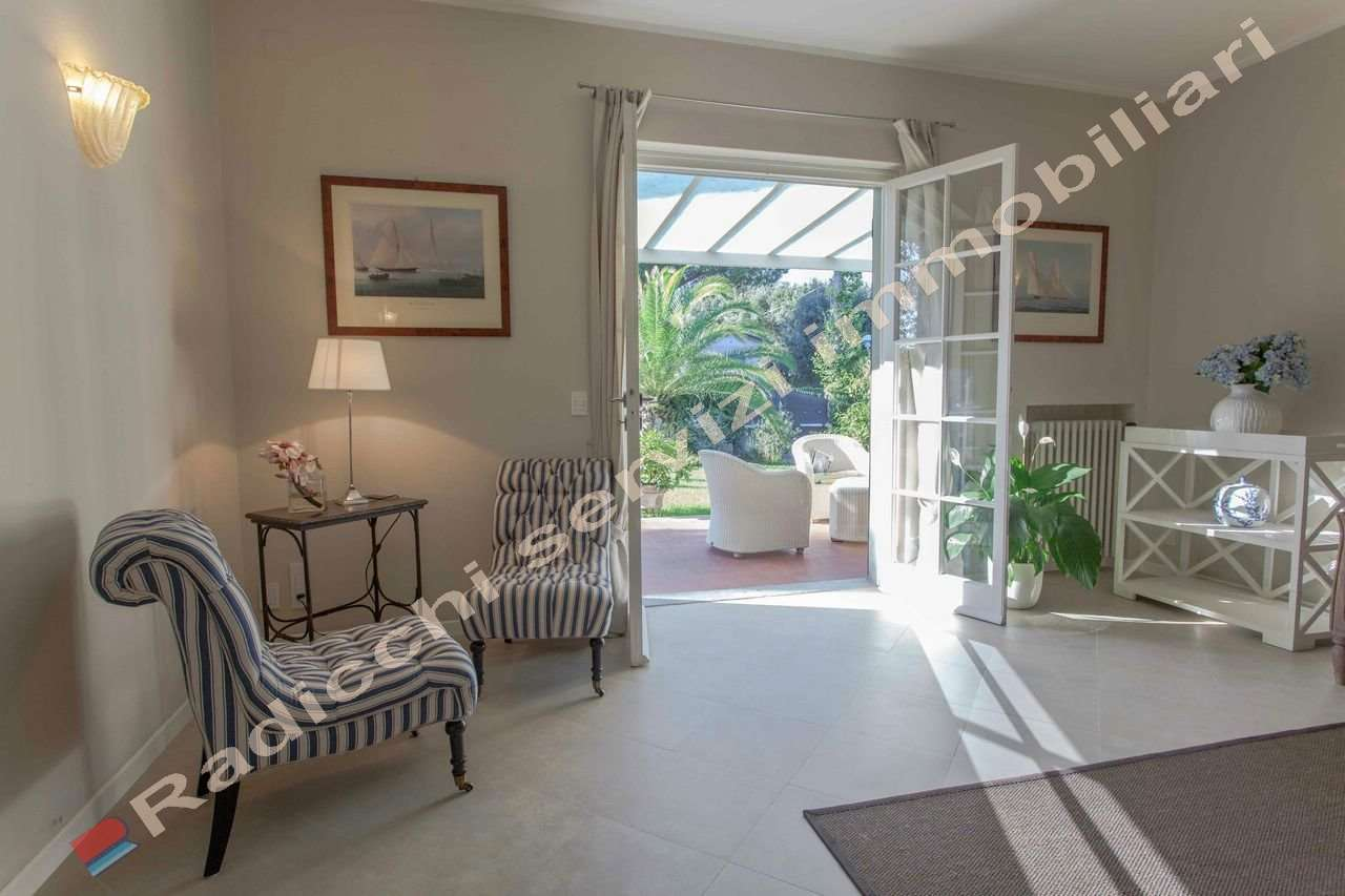 Apartment rental in Forte dei Marmi on the beach